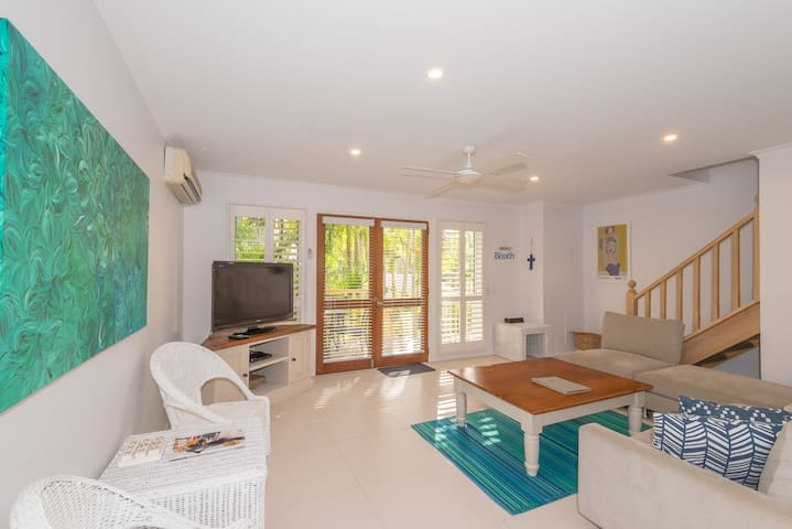 Tastefully renovated unit in Noosa Outrigger