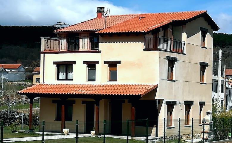 Ferreras de Arriba的民宿