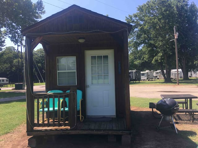"""Lil creek side Cabin on the famous  """"Route 66""""."""