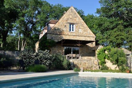 Perigord Lascaux IV house private warmed pool*