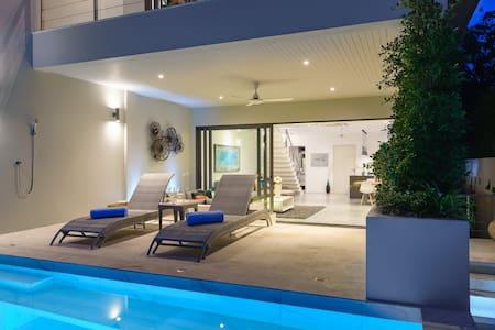 Sea-View, Private-Pool Villa near Bangrak Beach