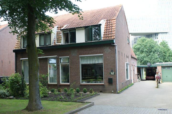 兹沃勒(Zwolle)的民宿