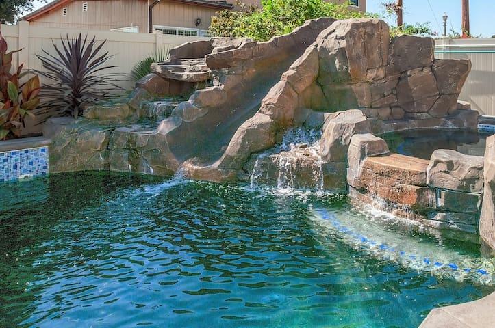 Funtierland + La Casa De Mickey + Close to Disney + Splash Pad + Netflix