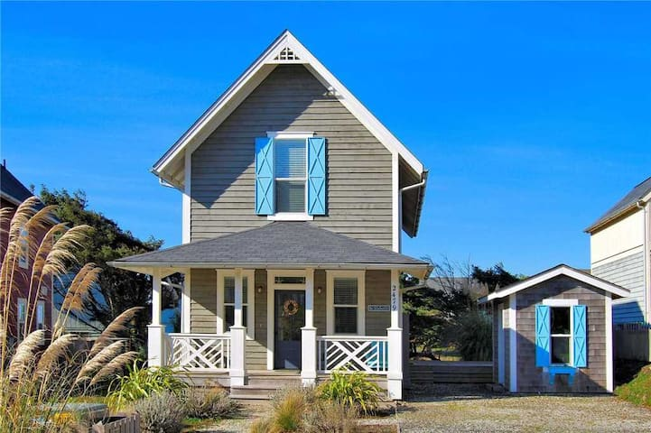 Two Luxurious Upstairs Queen Suites Make this Olivia Beach Home Extra Special!