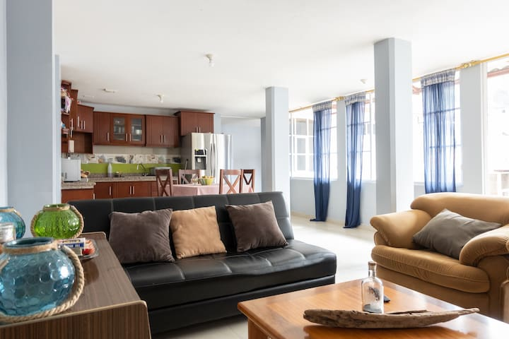 Comfy and cozy vacation apartment downtown 1