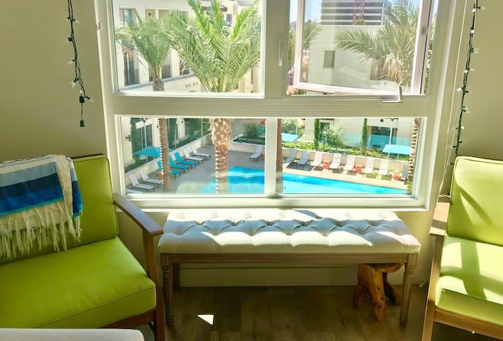 Pasadena Resort Style Luxury Apartment