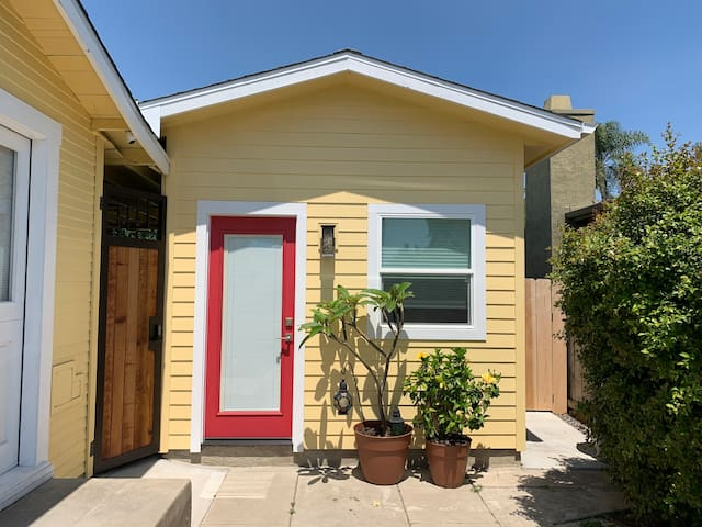 Casita Pacifica: charming guest house w/ Jacuzzi