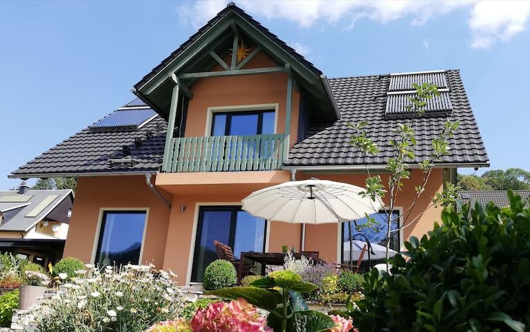 Borstendorf的民宿