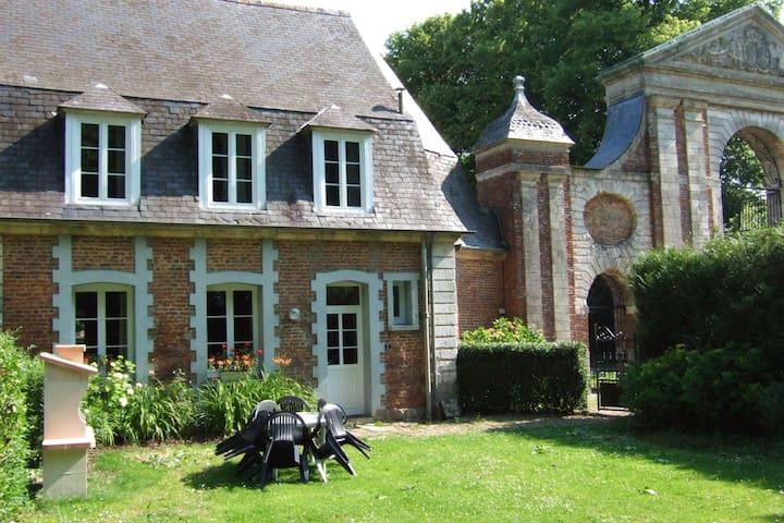 Gouy-St-Andre Hameau de Saint Andre的民宿