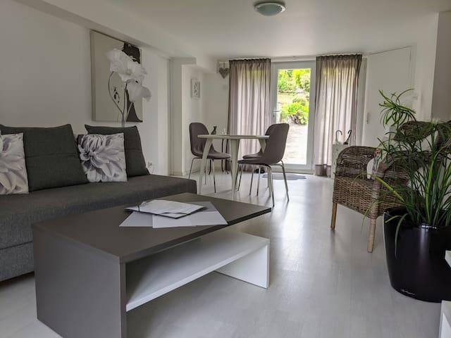 F2 privatif de 50 m² dans maison avec grand jardin