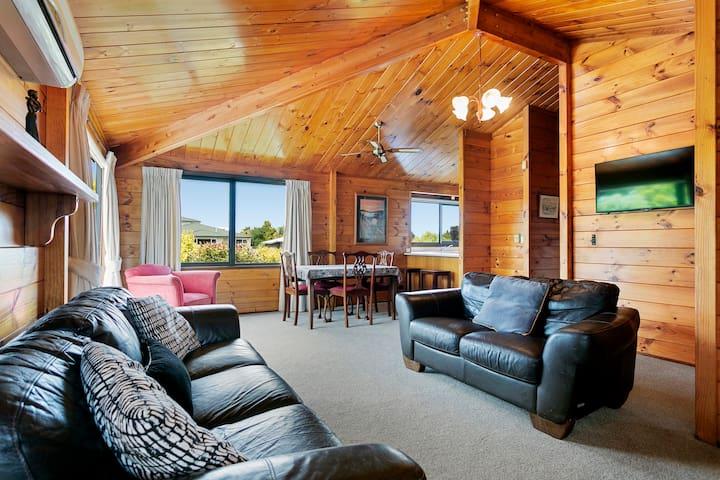Good 'n Wood Cottage