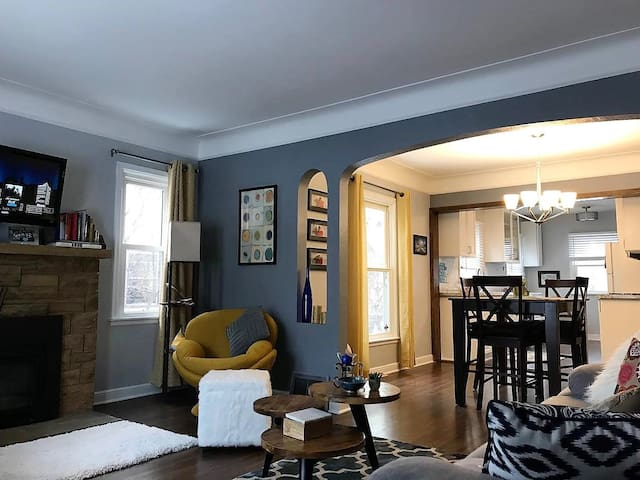 Clean & Cozy Room in NE Mpls Casa-Mins. to Downtwn