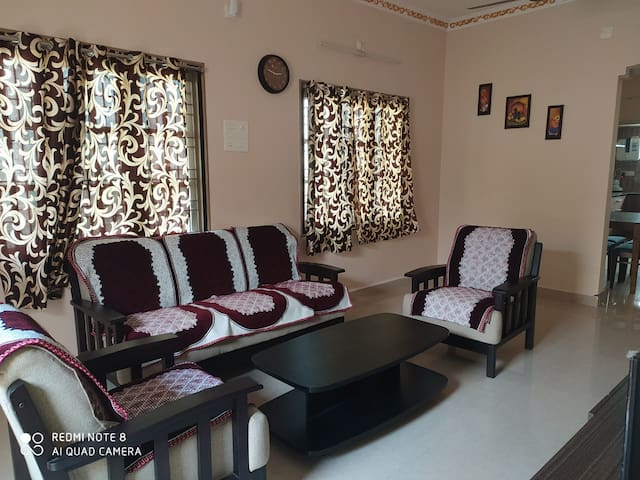 Tirupathi的民宿