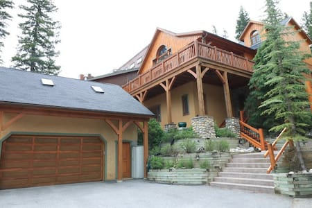 Cascade Cabin Bed and Breakfast