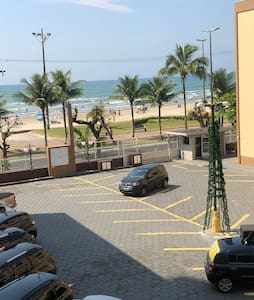 Apartamento em frente ao mar na Praia Grande