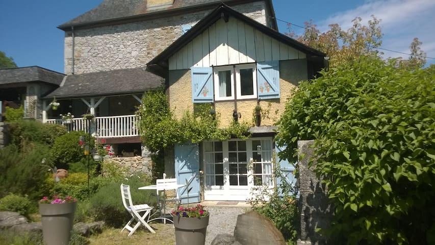 Rébénacq的民宿