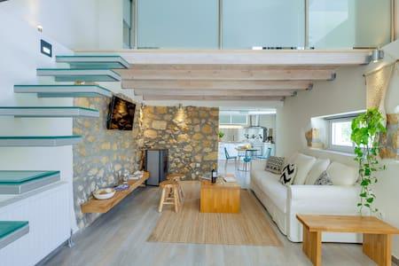 Chania Urban Living, stone home w/garden