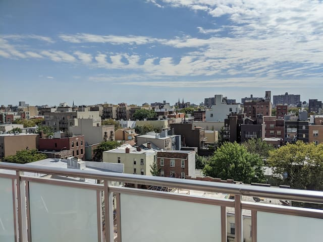 Cozy 2br Williamsburg Apartment with a View