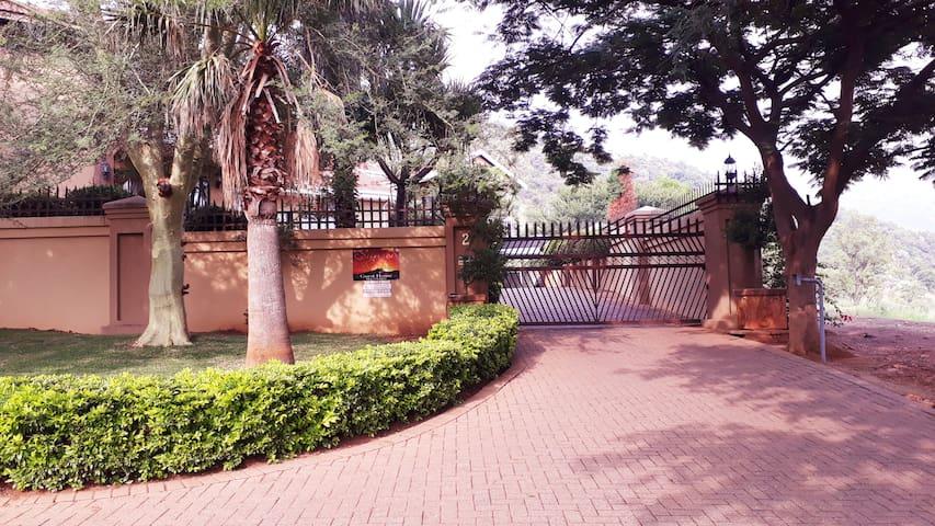 Sunset Ridge Guesthouse