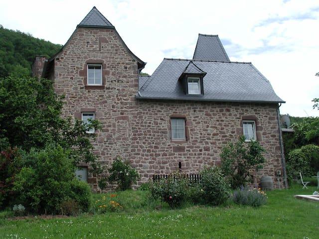 Escandolières的民宿