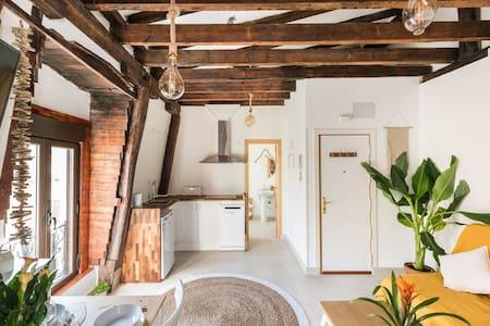 Cottage & Vintage
