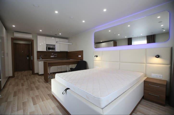 Уютные апартаменты:)