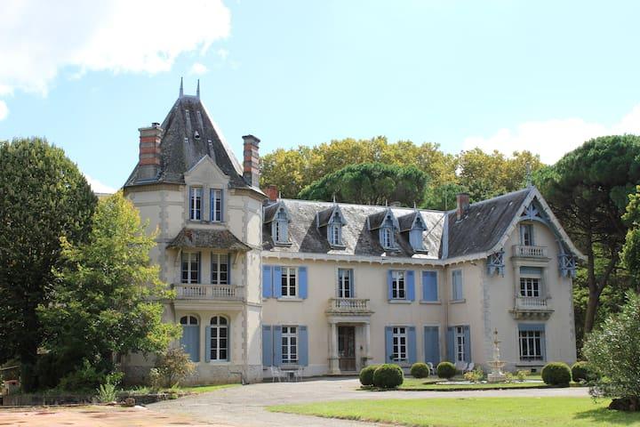Puch-d'Agenais的民宿