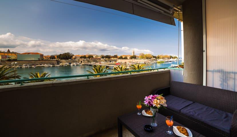 Apartment Big Look