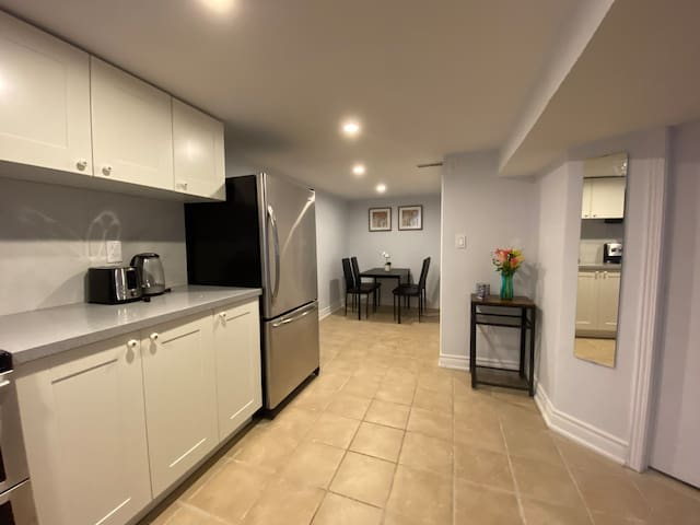 Perfect for group/3 bdrm suite❤️4min walk to subway