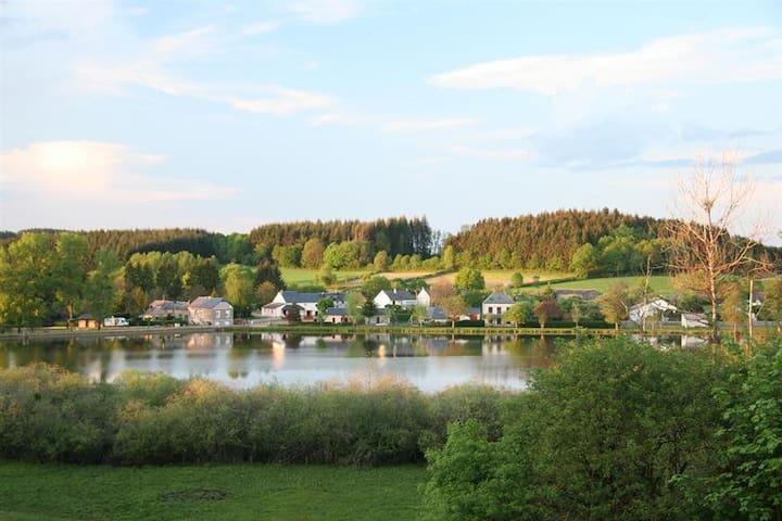 Ouroux-en-Morvan的民宿