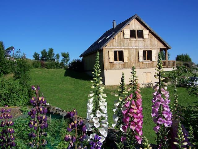 Saint-Laurent-de-Muret的民宿