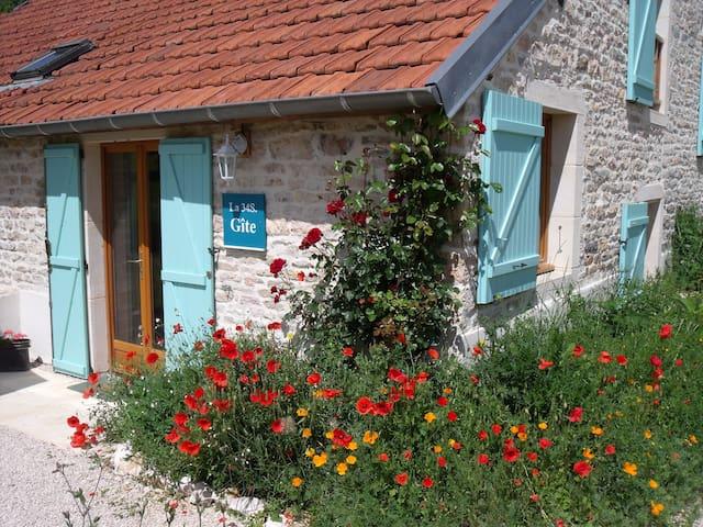 Gissey-sur-Ouche的民宿