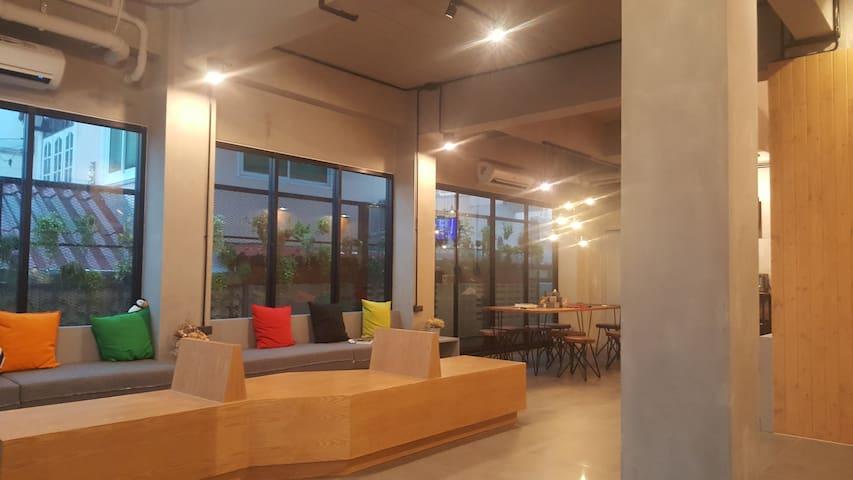 信武里民宿