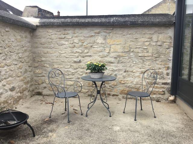 Cires-lès-Mello的民宿