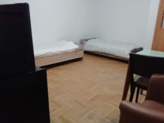 Toshev Rooms