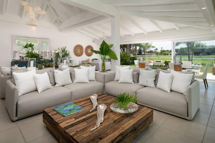 Golf Villa at Casa de Campo, short walk from beach