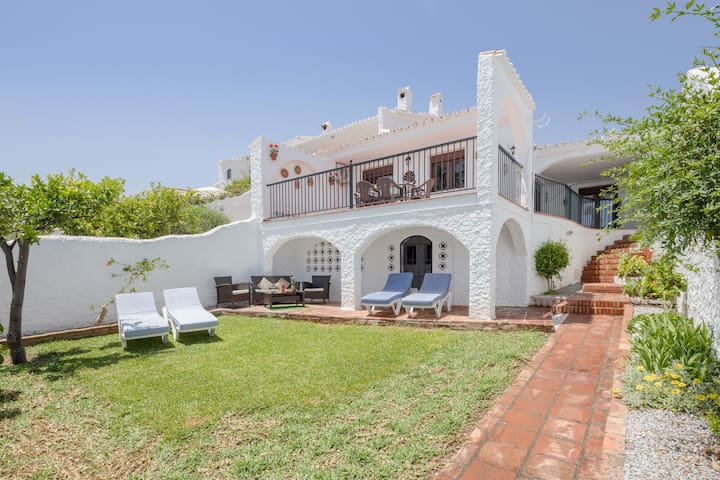 """Holiday Home """"Nerja Capistrano Villa"""" with Sea View, Wi-Fi, Garden, Terrace & Shared Pool"""