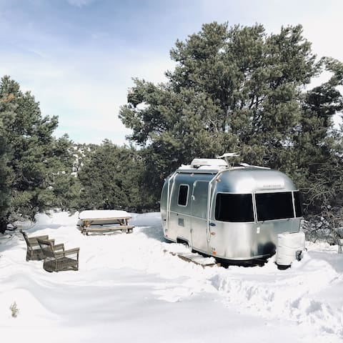 16' Airstream / Angeles Crest Creamery