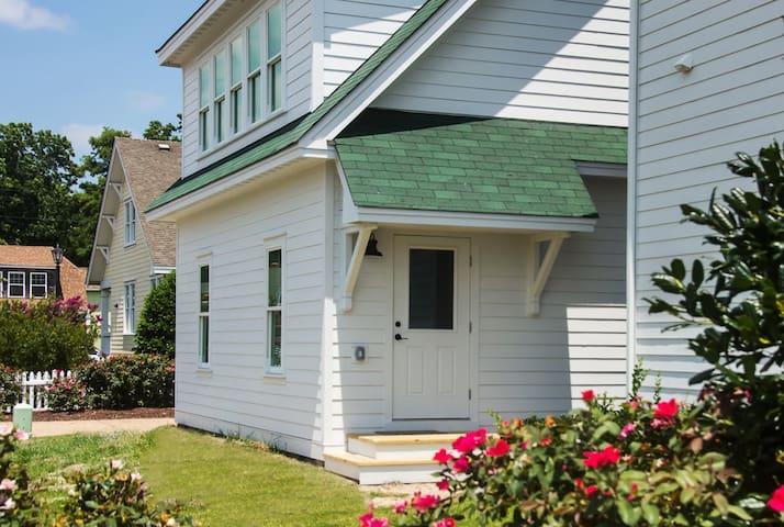 The Caroline Cottage