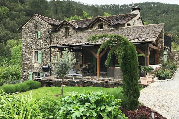 Sainte-Croix-Vallée-Française的民宿