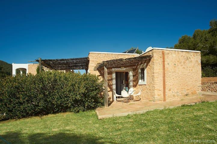 Bungalow Triple en villa con piscina