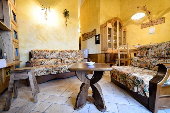 Roccacinquemiglia的民宿