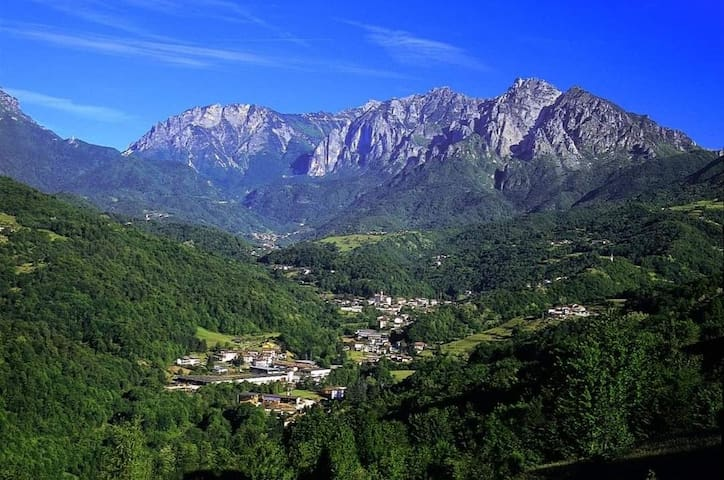 Valli del Pasubio的民宿