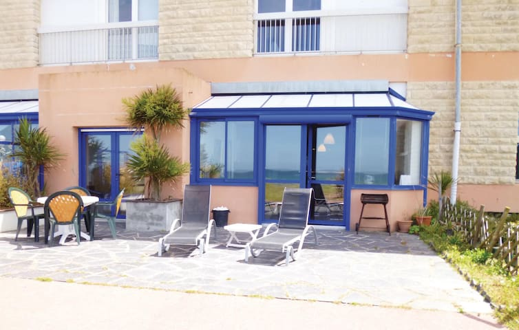 Holiday apartment with 2 bedrooms on 90m² in Siouville