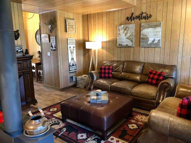 Leland Retreat near Pinecrest Lake and Dodge Ridge