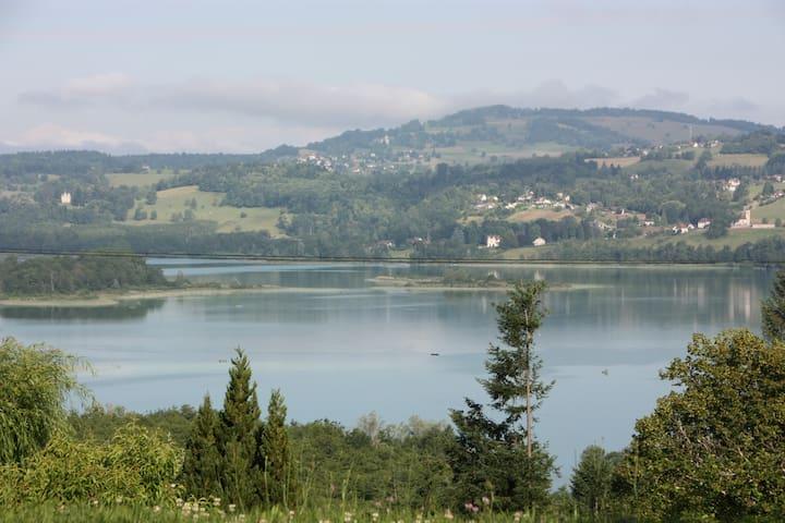 Aiguebelette-le-Lac的民宿