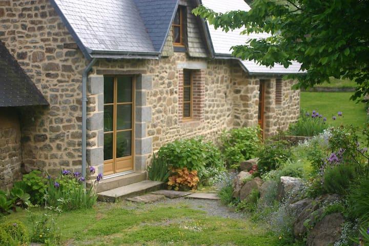 Le Mesnil-Rainfray的民宿