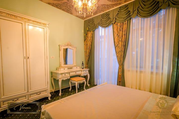 JMR Royal apartments-Verona with private sauna