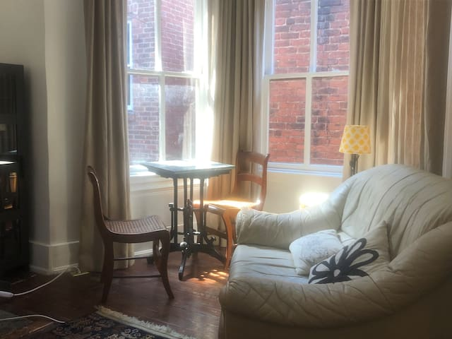 Perfect Pied-a-Terre, heart of old town Alexandria