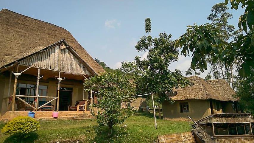 Kanungu的民宿